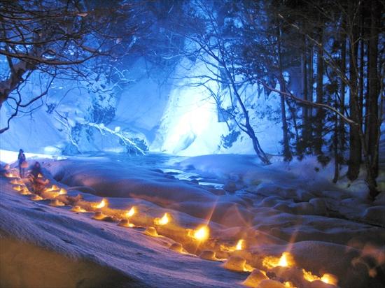 峨瓏の滝ライトアップ_R
