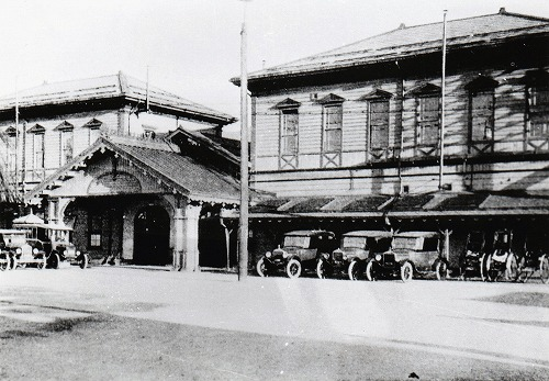 1 旧敦賀駅舎 明治42年以前(推定)