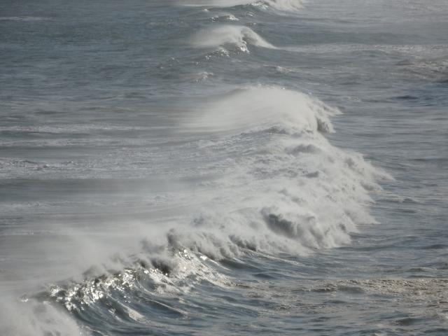 波はまだ大きくはない