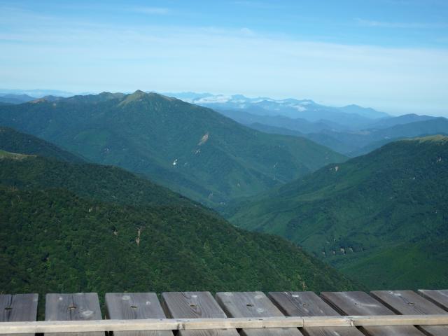 三嶺と深い東祖谷山村の谷