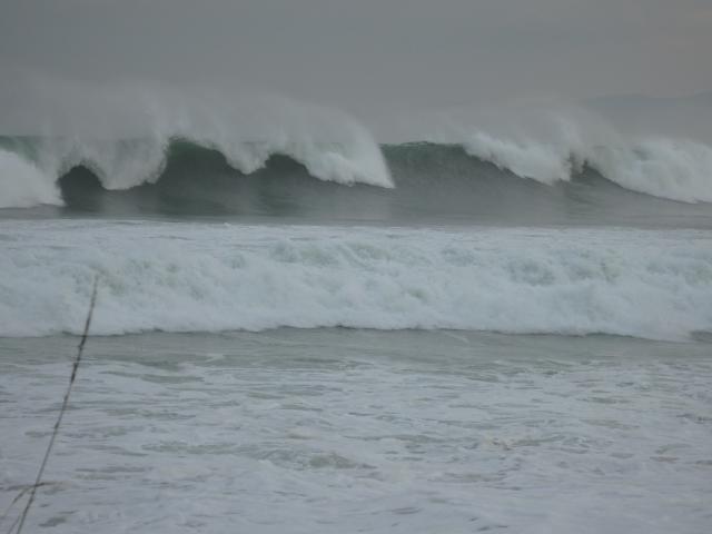 昨日より波が大きくなった