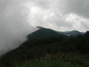 雲が登って来た