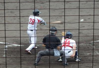 P7210236肥後銀行 4回表2死三塁から8番が右前打を放ち1対2と1点差