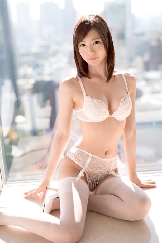 鈴村あいり 01