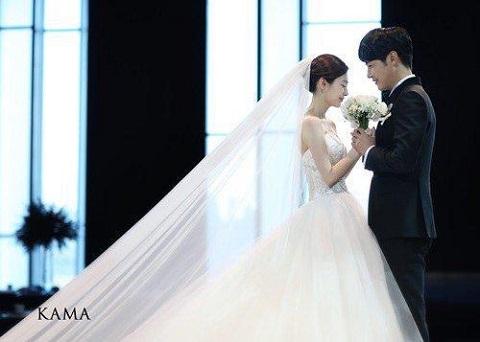 ユンサンヒョンとメイビー結婚式1