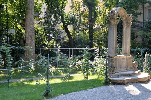 STK 8357 R - レオナルドダヴィンチのブドウ園(La vigna di Leonardo)