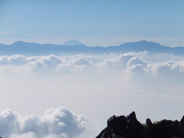 雲海と富士山、南ア