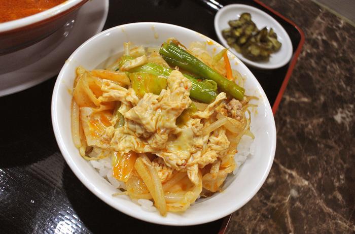 めんめん@宇都宮市二荒町 2  Andy特製ピリ辛野菜卵とじ丼