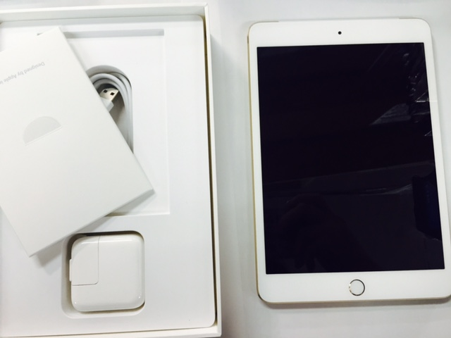 au iPad mini3 セルラー MGYR2J ゴールド