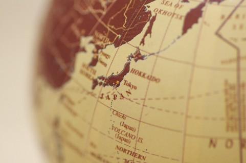 日本における味の現地化イメージ画像 地球儀