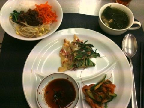 2012年7月10日 イカのフェ、わかめスープ、ビビンバ、海鮮チヂミ