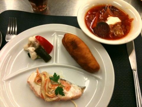 2012年10月23日 ボルシチ、ピロシキ、ピクルス、鮭のクリーム煮