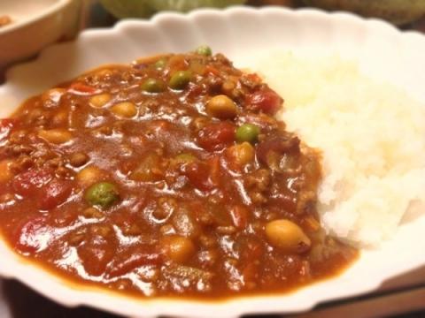 2013年2月10日 ひき肉と豆とトマトのカレー