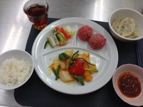 2013年2月26日 鱈と花ニラの甘酢炒め、四川泡菜、水餃子、肉団子のもち米蒸し