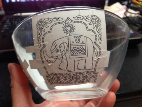 2013年3月7日 ゾウのガラスボウル