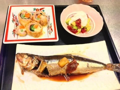 2013年8月6日 鰯の梅煮、まぐろとアボカドと山芋の和物、豚ロースの変わり揚げ、葛切り