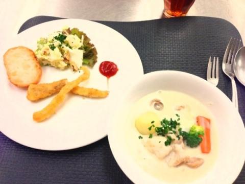 2013年9月10日 ウォルドルフサラダ、白身魚のグージョネット、チキンフリカッセ