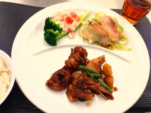 2013年10月8日 栗と鶏肉の煮込み、ブロッコリーのかにあんかけ、白身魚の中華風サラダ