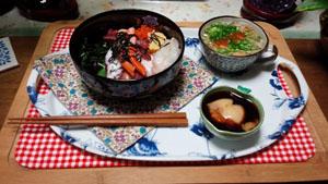 海鮮丼と海藻野菜スープ