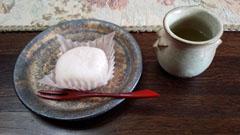 白桃レアチーズ大福