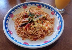 モッツァレラチーズトマトパスタ