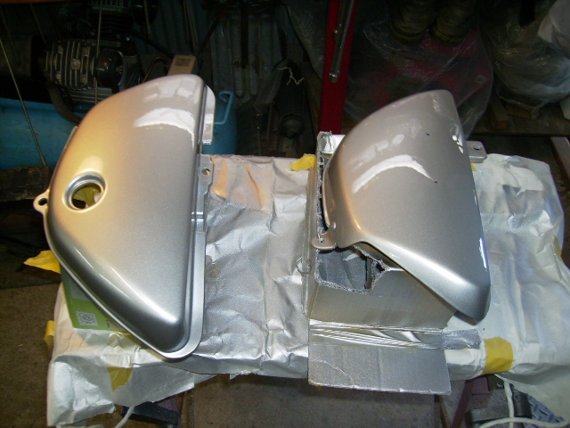 ハスラー400 20150725 サイドカバー塗装 020