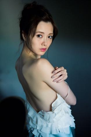 【乃木坂46】白石麻衣、大和里菜に「残念です」 初ソロ写真集「清純な大人 白石麻衣」発売イベントにて3