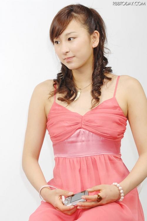 浅田舞さん、豊胸疑惑を否定「全然してない」2