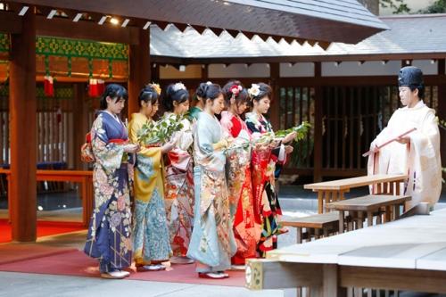 乃木坂46「自称・花の94年組」が乃木神社で成人式。2