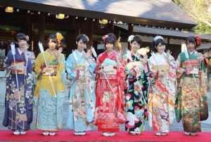 乃木坂46「自称・花の94年組」が乃木神社で成人式。