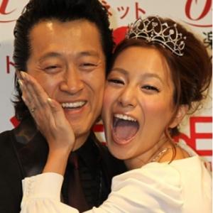 """三船美佳、高橋ジョージと離婚へ 24歳差""""おしどりロード""""16年で…"""