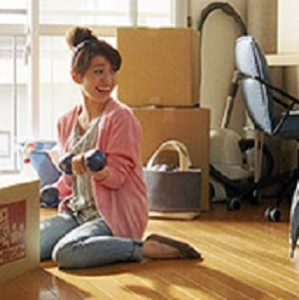 大島優子 新CMで重さ4キロのダンベル軽々と扱う