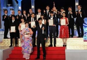 日本アカデミー賞、岡田准一が最優秀主演&助演男優賞をW受賞 史上初の快挙