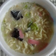 スープ、特製油を入れて、完成!