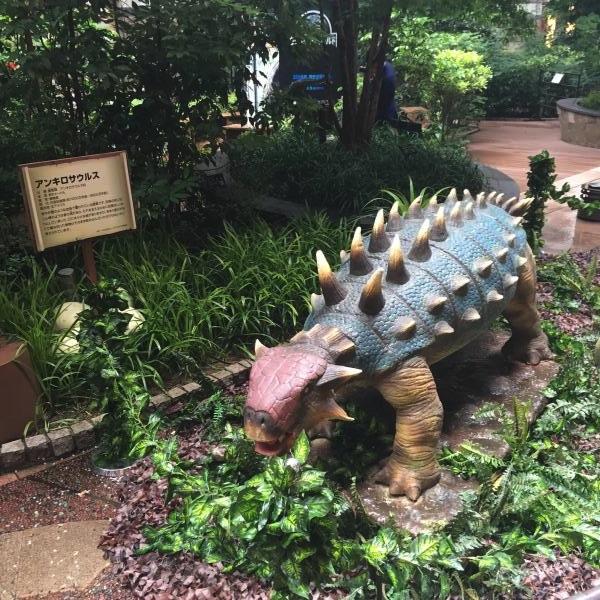 「アンキロサウルス」。