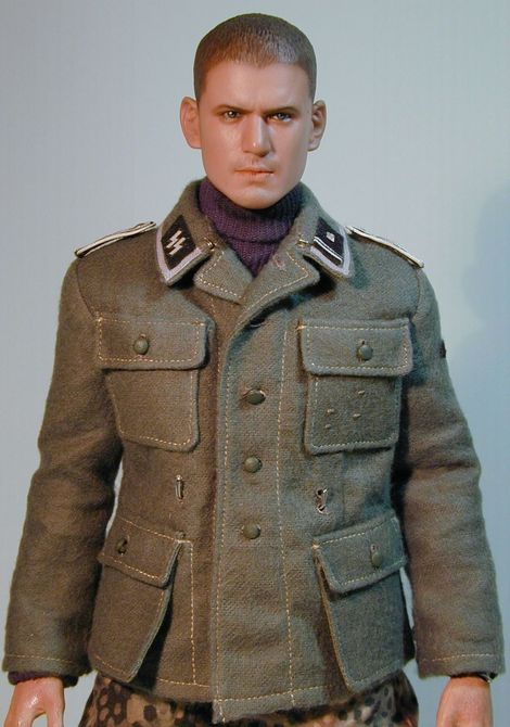 SS-Scharführer_1944_01
