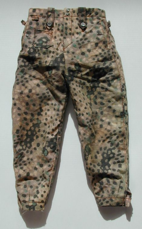 M44_dot_trousers_F