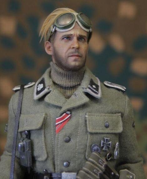 SS-Scharführer_3SS_Totenkopf_03