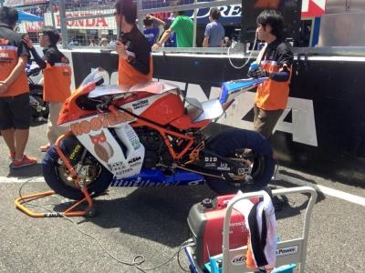 RC8R 2015鈴鹿8H耐久 スタート (4)