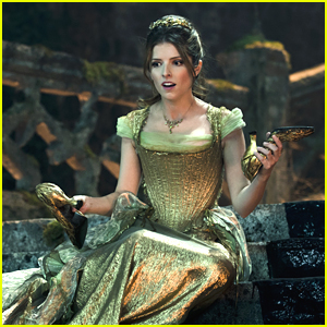 anna-kendrick-new-into-woods-stills.jpg