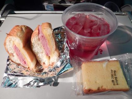 シンガポール2014.11デルタ航空成田行・機内食