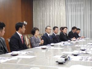 若年者雇用について熱弁される林文子横浜市長