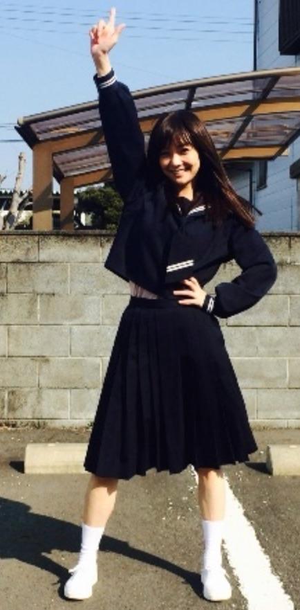 倉科カナ セーラー服 女子中学生 ピース
