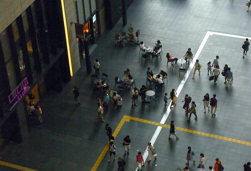 ターミナル02