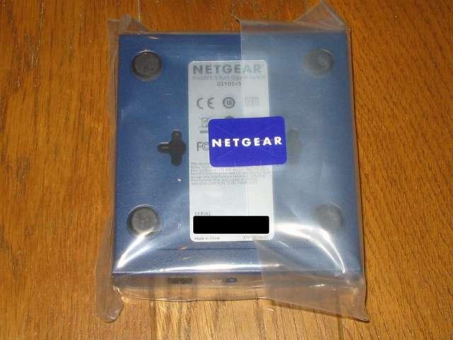 NETGEAR GS105-500JPS(GS105v5) 包装袋開封