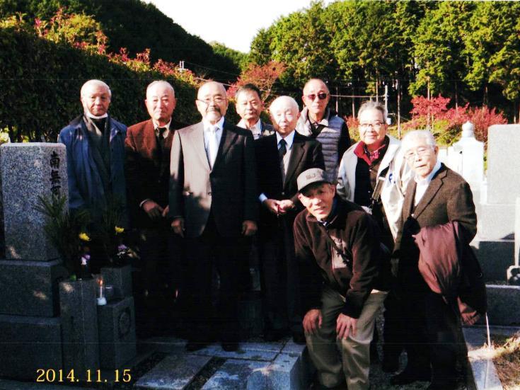 岡田氏の墓