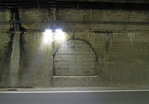 比与宇隧道05