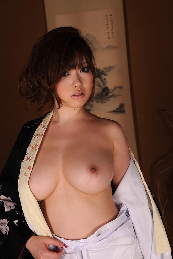 浜崎りお 爆乳 おっぱい ヌード 画像 5