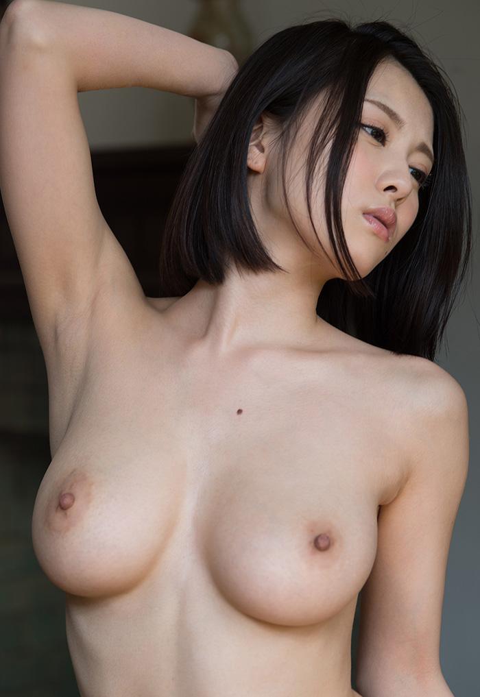 松岡ちな 爆乳 おっぱい ヌード 画像 1