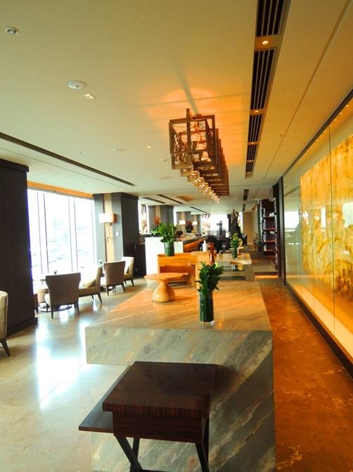 フォーシーズンズホテル丸の内 東京 MOTIF (モティーフ)アフタヌーンティー 北海道&フレンチテイストのアフタヌーンティーが楽しめる!